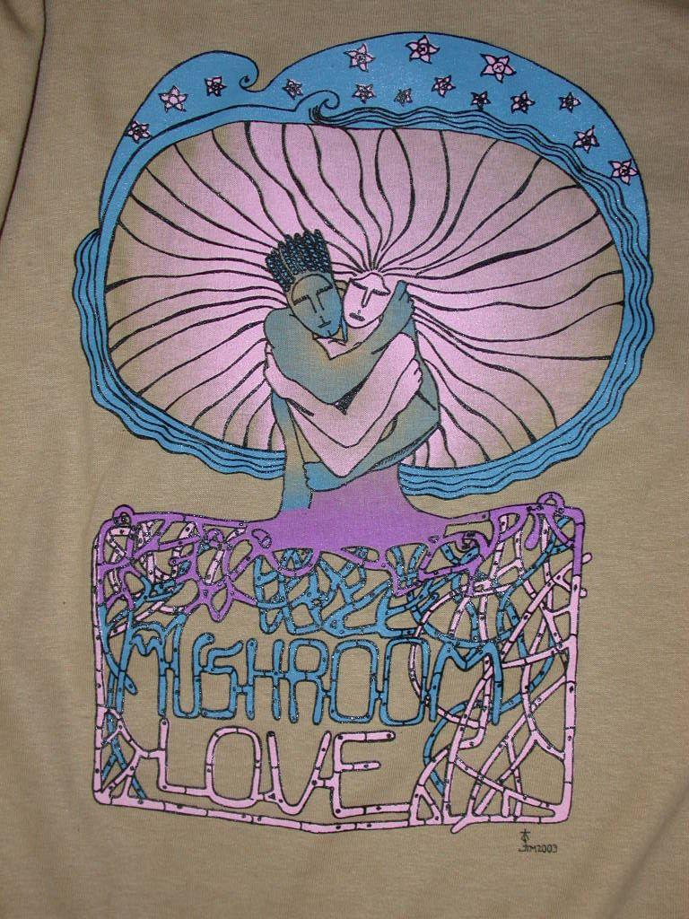 Les eucaryotes et autres mycètes du hippie Mushroom-love-t-shirt-LG